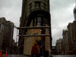 (via Boarding up the Flatiron Building. #Irene on Twitpic)