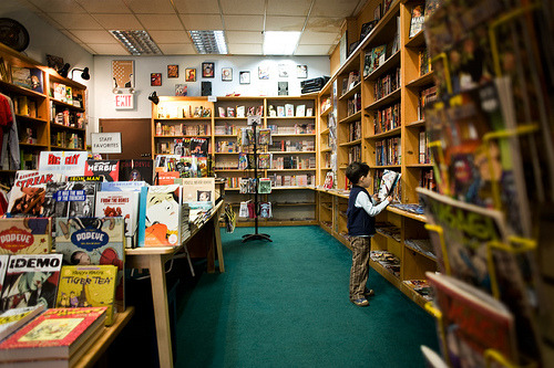lifeofliterature:  comic book store (by themexican)