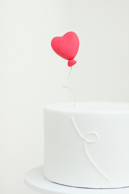 a-walk-through-sunshine:  heart balloon topper by hello naomi on Flickr.