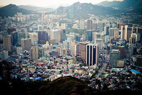 zhthisbigcity:  The view from South Korea's Seoul Tower.