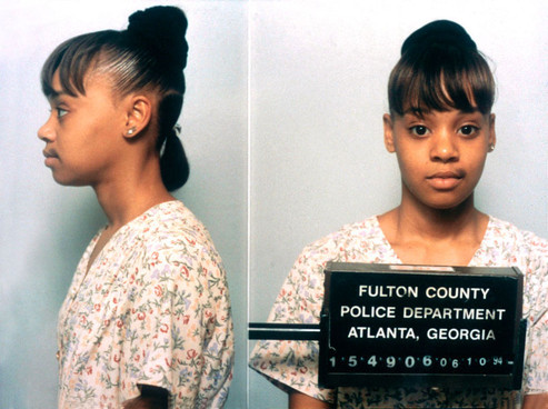 "thecornerstorecriminal:  In 1994, Lisa ""Left Eye"" Lopes was arrested for burning down the home of her former boyfriend, Andre Rison  Lisa lopez mugshot"