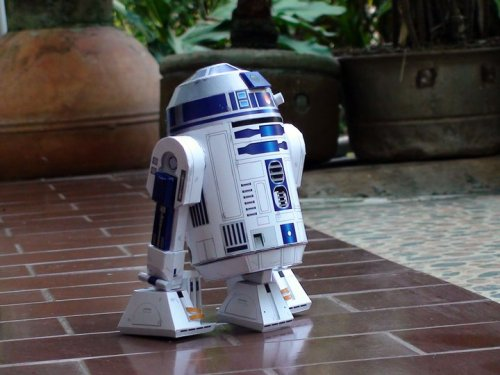 theforce:  R2-D2 Star Wars Papercraft Download:R2-D2 Star Wars Papercraft  Password : paper-replika.com