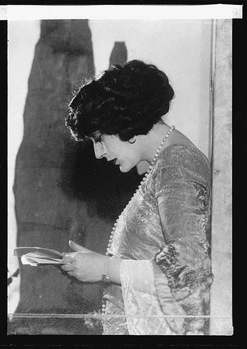 Olga Petrova reading in 1922 Image Source