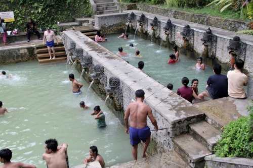 Hot Springs, North Bali, Indonesia [Source: claireberries]