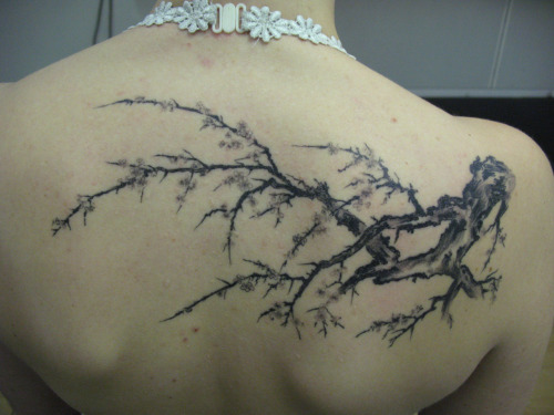 Really like this. It's simple and I really just love trees for some reason :S