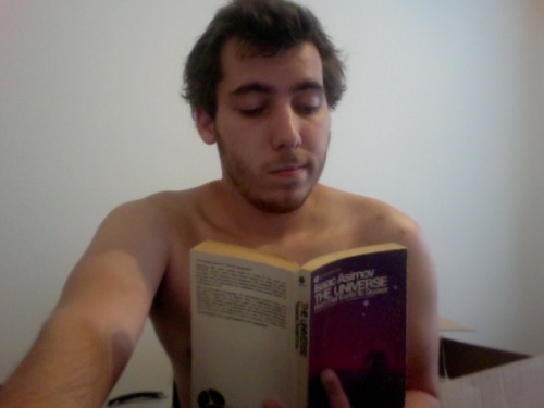 chavydanger:  Naked Reading  Keep 'em coming!