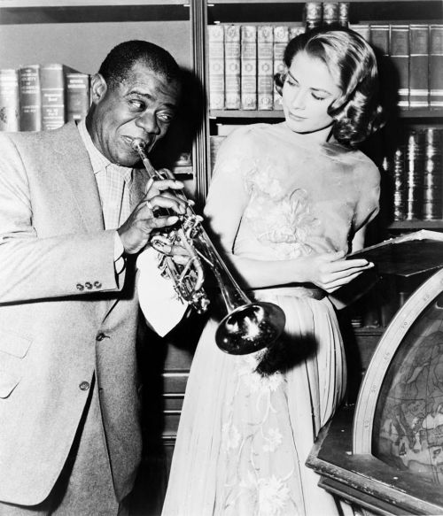 thedullbitscutout:  Grace Kelly and the great Satchmo