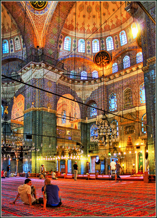 this-world-is-corrupted:  toursspecialists:  a visit to majestic Istanbul, Turkey  wow, gorgeous.