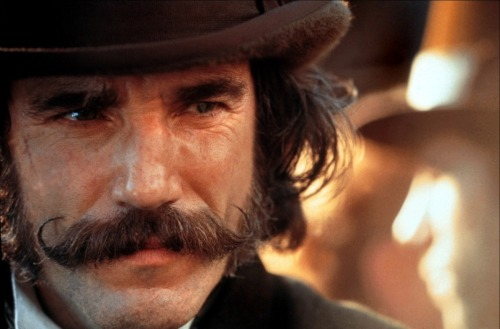 fuckyeahgangsterfilms:  Daniel Day Lewis as Bill Cutting  Gangs of New York (2002) I watched this for the first time the other night, Daniel Day Lewis and his moustache were riveting! I am now reading Herbert Asbury's book of the same name, which inspired the film. Fascinating stuff, despite evidently being of slightly dubious historical veracity.