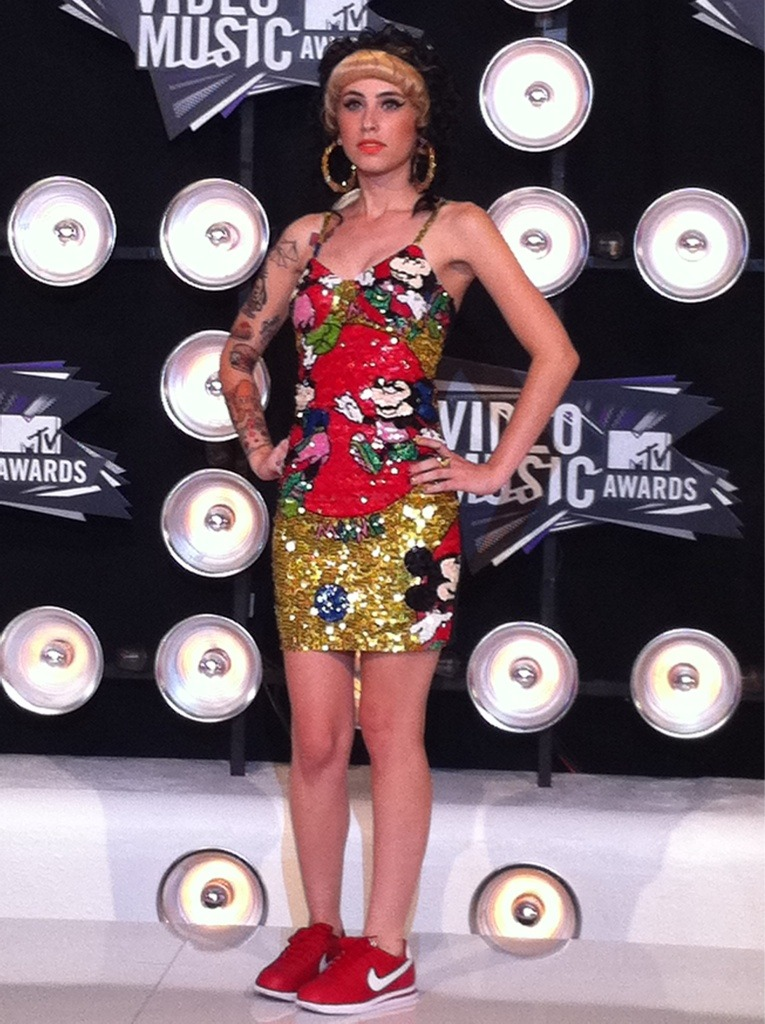 jesussavesispendd:  mindymaygan:  I AM A FAN OF THIS GIRLS GET-UP at VMAs  Dude, it's Kreayshawn!  Christ.