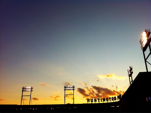 thedailystolfi:   A great night for a ballgame.