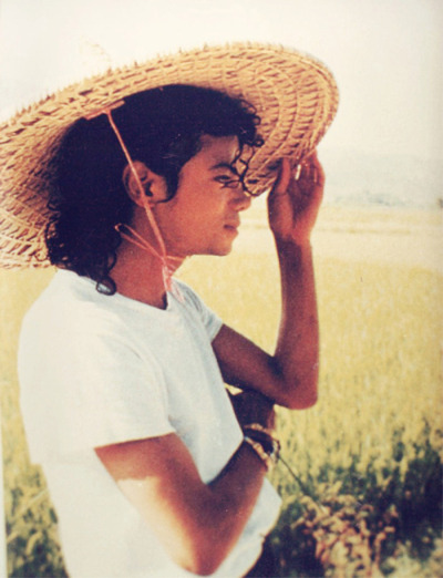 teebethehipster:  MJ was such a beautiful man. <3 <3