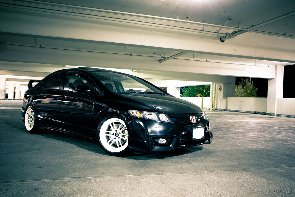evanchenphotography:  2009 Honda Civic SIby Evan ChenNotes: It's a repost, but I want to do a car shoot again.