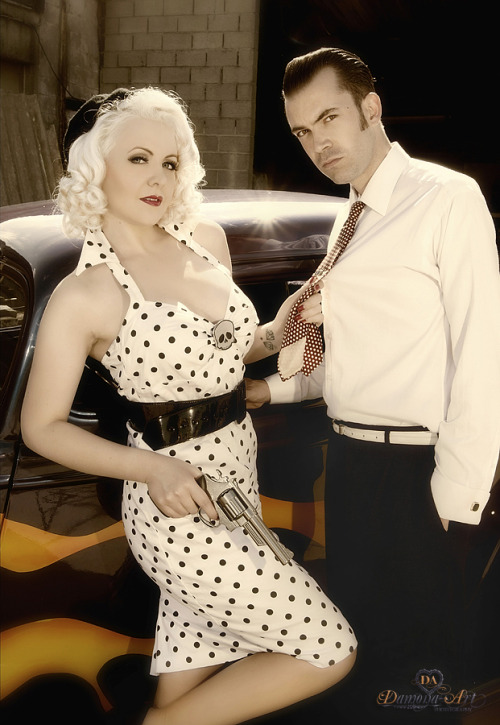 pinuppost:  Bonnie & Clyde Models : MissLiz Chérie and Ludo Voodoo www.misslizcherie.com By Damona-Art www.damona-art.com Car by Nostalgic cars : www.nostalgic-cars.be