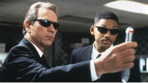 men in black neuralyzer gif