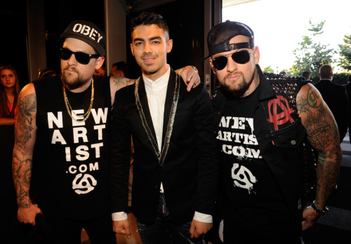 Joe Jonas, Joel & Benji Madden @ 2011-08-28 MTV Video Music Awards 2011 at Nokia Theatre L.A. LIVE in Los Angeles - August 28, 2011.