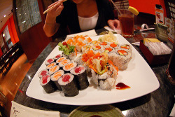 inhalecum:  i don't like sushi, but this picture is so perf.