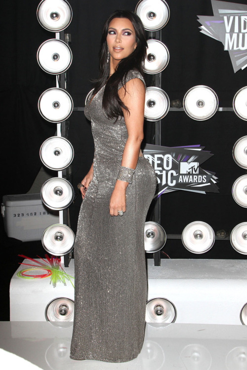Kim Kardashian @ 2011 MTV Video Music Awards at the Nokia Theatre in Los Angeles - August 28, 2011.