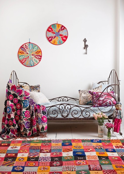 My Bohemian Home ~ Bedrooms and Guest Rooms Love this fun, colorful room!
