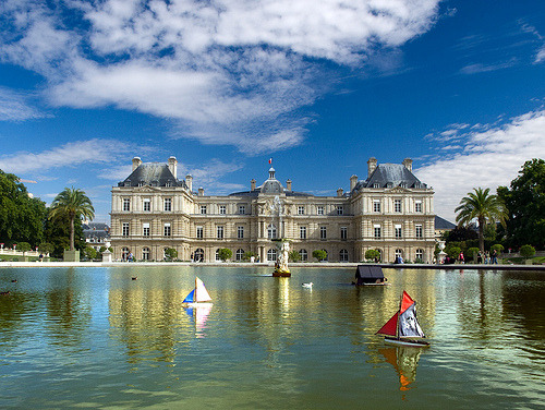 allthingseurope:  Palais du Luxembourg. Paris (by _sasha_)  My favorite place in Paris.