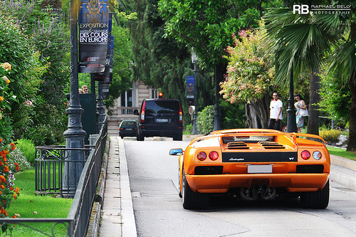 Leaving the table Starring: Lamborghini Diablo VT (by Raphaël Belly)