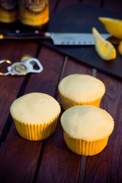 phoods:  (via Hefeweizen (Wheat Beer) Cupcakes ~ Cupcake Project)