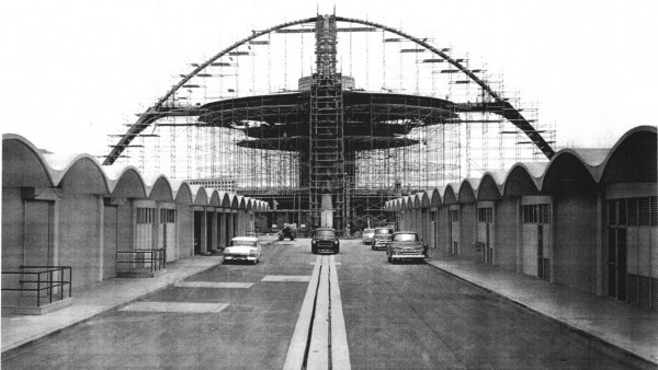 farfiction:  Construction photo of Los Angeles International Airport Theme Building and maintenance garages ca. 1960. Photo courtesy of Richard Bradshaw. Photographer unknown. src: socalarchhistory.blogspot.com