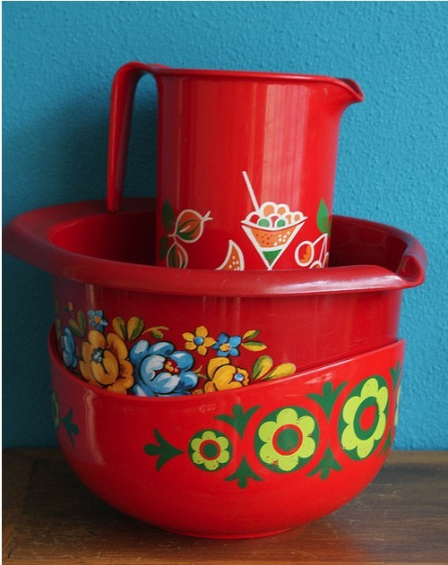 My Bohemian Aesthetic Vintage folk-art kitchenware in fabulous red!