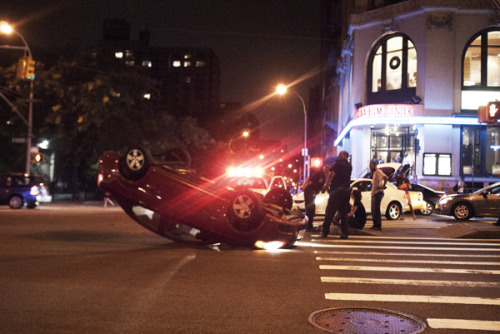 superneck:  Flipped Car on Houston NYC  Speaking of NYC, your friendly fuckyeahwrecks mistress is trying to relocate there, so if you know of any jobs in the archiving/museum/library/filing/radio/writing or djing variety, please please please hit me up.  *back to your scheduled destruction*