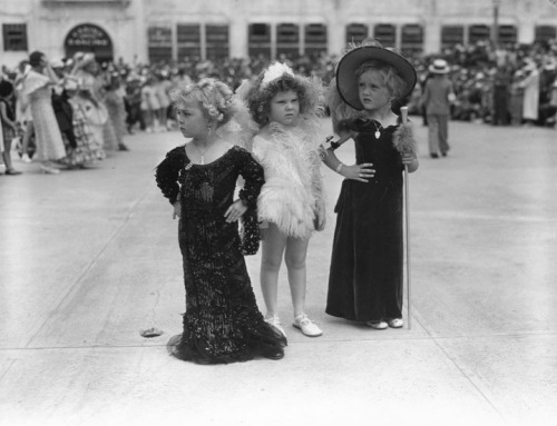 Children compete in Movie Star Look-Alike Contest in Venice Beach, CA - 1935