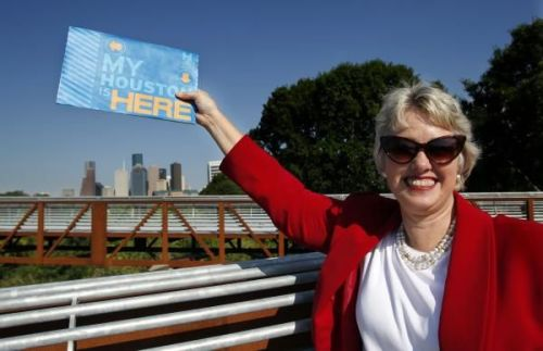neighborhoodr-houston:   Mayor Annise Parker shows her favorite spot in Houston at Buffalo Bayou Park on the new pedestrian bridge over Buffalo Bayou with a great view of downtown. Photo: Houston Chronicle, Johnny Hanson / HC  Read more