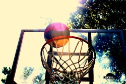 When I get bored i go and take pictures. I love the game of basketball, so I decided to get a little ray of God's flashlight in here too!