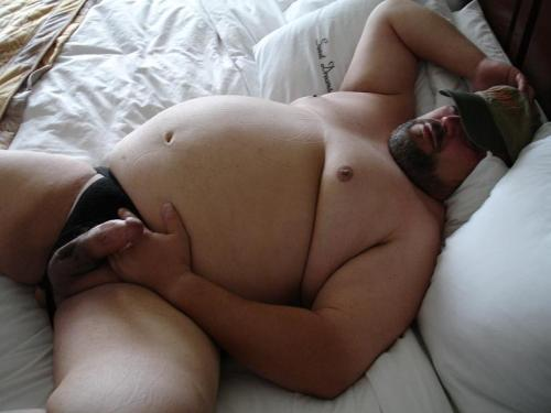 woofwoofmydarling:  fat guys with big cocks <3