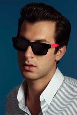 heartstoppinghotties:  Mark Ronson  One of the few men I'd go straight for