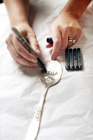 flattened spoons become original placeholders. (via oh, hello friend: you are loved.: guest post - top 5 diy projects:)