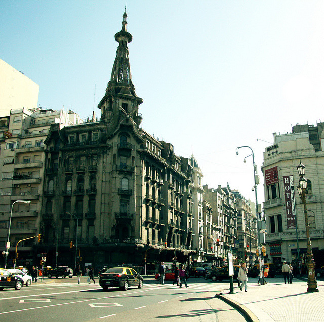avenida calleo by amy.herbs on Flickr.Via Flickr: buenos aires, argentina