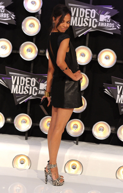 Zoe Saldana @ 2011 MTV Video Music Awards at the Nokia Theatre in Los Angeles - August 28, 2011.