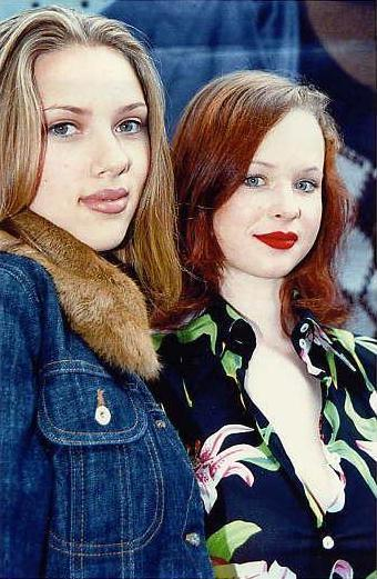 Scarlett Johansson and Thora Birch while they were filming Ghost World. Ghost World is one of my favorite movies, Daniel Clowes one of my favorite comic book authors, and they are both gorgeous. Kinda preferred Thora, because I always dig brunettes more than blondes. Where is she today? Back then, she had more star power. It's because of the boobs in American Beauty.