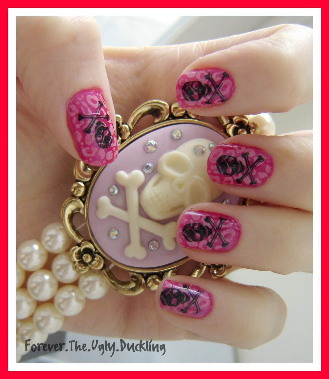 marinalaplacenta:  Konad leopard and skull nails