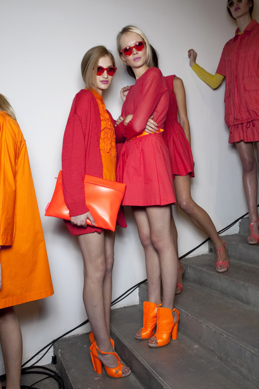 brunamuratori:  Siri Tollerod and other model at Cacharel SS11 backstage