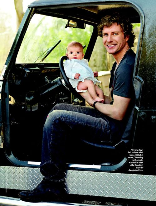 imdoingthis4myhorse:  i hope my husband looks this sexy with our daughter/son.