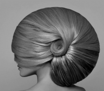 A snail-like way of hair-life.
