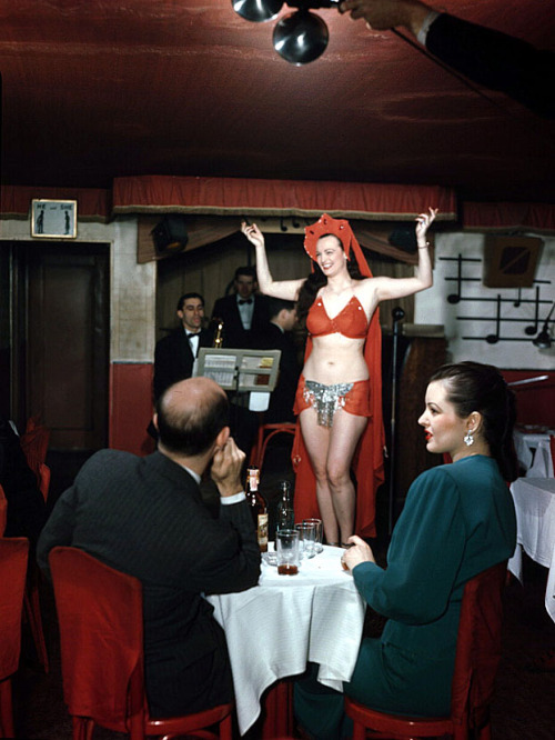 A rare color photo of Lois DeFee performing at 'Club Nocturne' on NYC's infamous 52nd Street (1948).