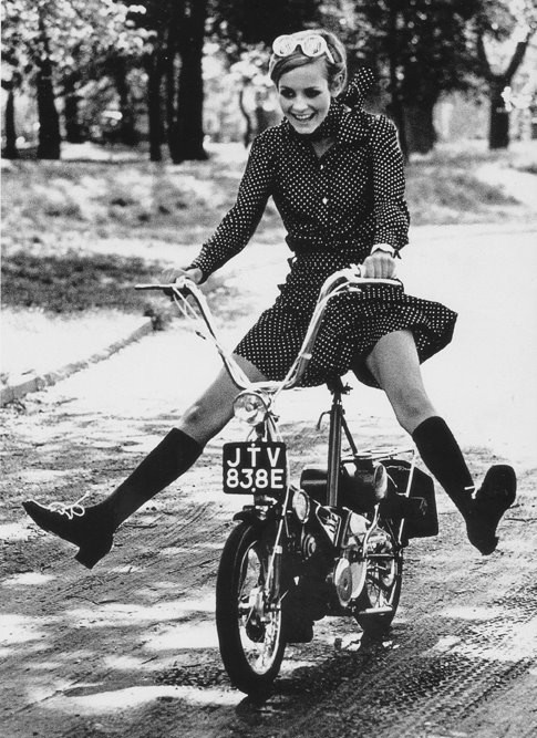 Twiggy (1966).  (via)