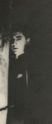 liquidnight:  Bela Lugosi as Dracula  (1931, dir. Tod Browning) From The Annotated Dracula by Leonard Wolf