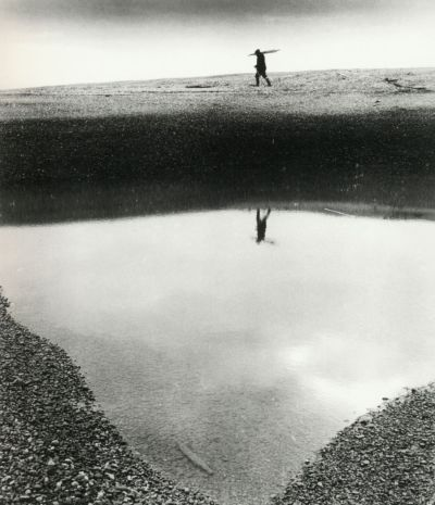 liquidnight:  Bill Brandt Aldeburgh, 1948 From The Photography of Bill Brandt