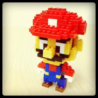 it8bit:  Nanoblock Mario - by Christopher Tan  Tumblr || Website || Flickr || Twitter  via: chrisnanoblock