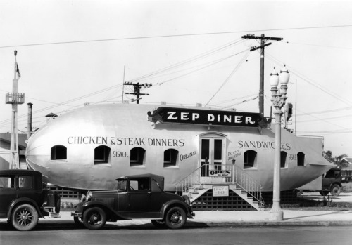 mothgirlwings:  The Zep Diner in Downtown Los Angeles, CA - 1931  I love how this photo is being reposted all over Tumblr now without my credits on it - NOT!
