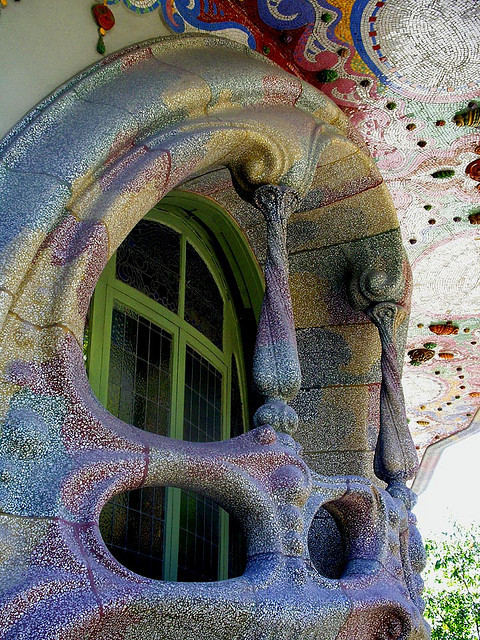 agoodthinghappened:  Amazing Gaudi Architecture Continued by CK-EyeWays on Flickr.