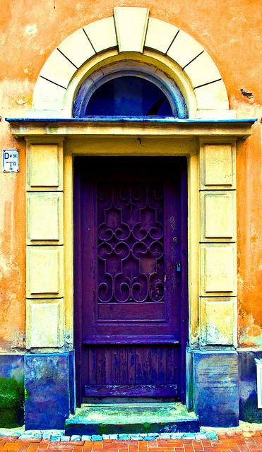 Purple door, Warsaw, Poland by sebastian.partyka on Flickr